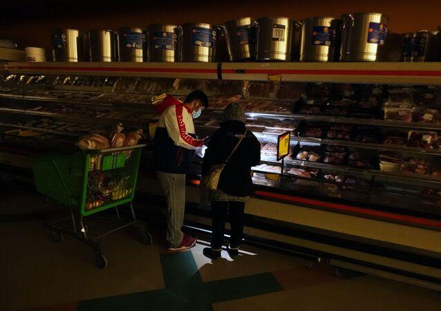 Kupujący w supermarkecie w Dallas, Teksas