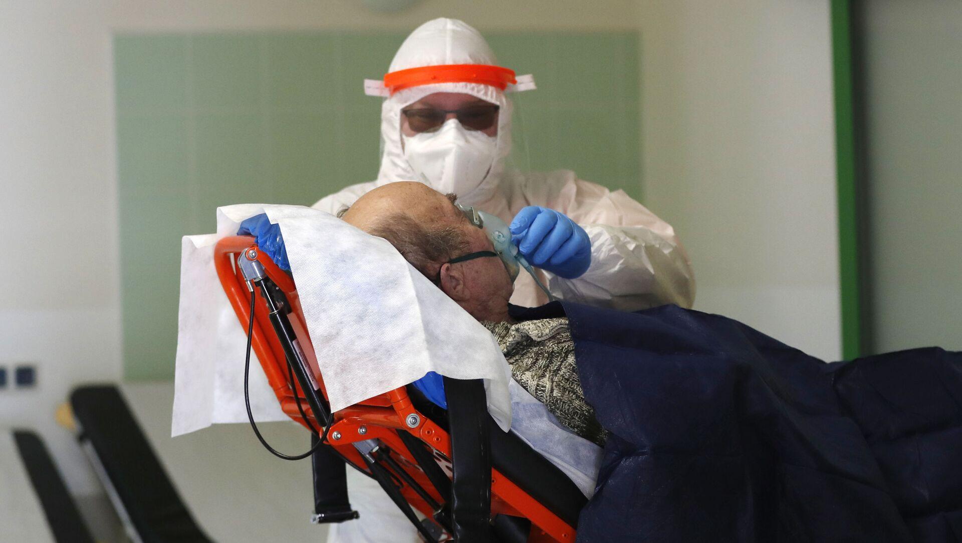 11 marca 2020 roku Światowa Organizacja Zdrowia ogłosiła epidemię koronawirusa SARS-CoV-2 pandemią.  - Sputnik Polska, 1920, 21.02.2021