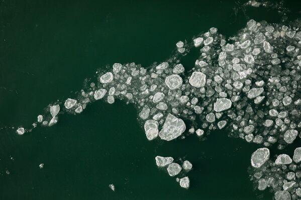 Kry lodowe u podnóży American Falls w Niagara Falls w Nowym Jorku  - Sputnik Polska