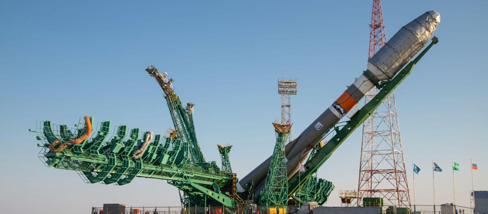 Usunięcie rakiety nośnej Sojuz-2.1b z pierwszym satelitą Arktika-M na miejsce startu - Sputnik Polska, 1920, 25.02.2021