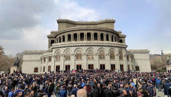 Zwolennicy opozycji na Placu Wolności w Erywaniu - Sputnik Polska