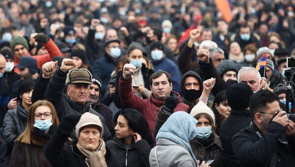 Protesty opozycji w Erywaniu - Sputnik Polska