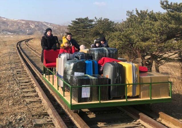 Rosyjscy dyplomaci, którzy opuścili Koreę Północną drezyną