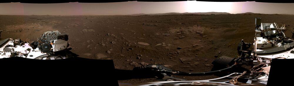 Zdjęcie panoramiczne Marsa wykonane przez łazika Perseverance