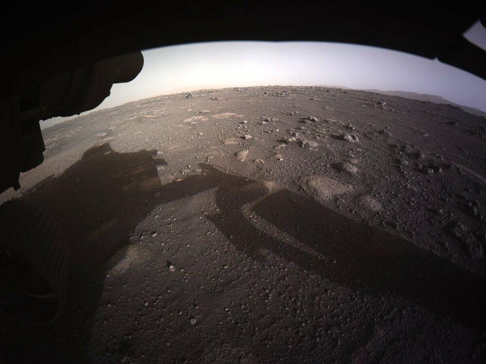 Zdjęcie Marsa zrobione przez łazika Perseverance