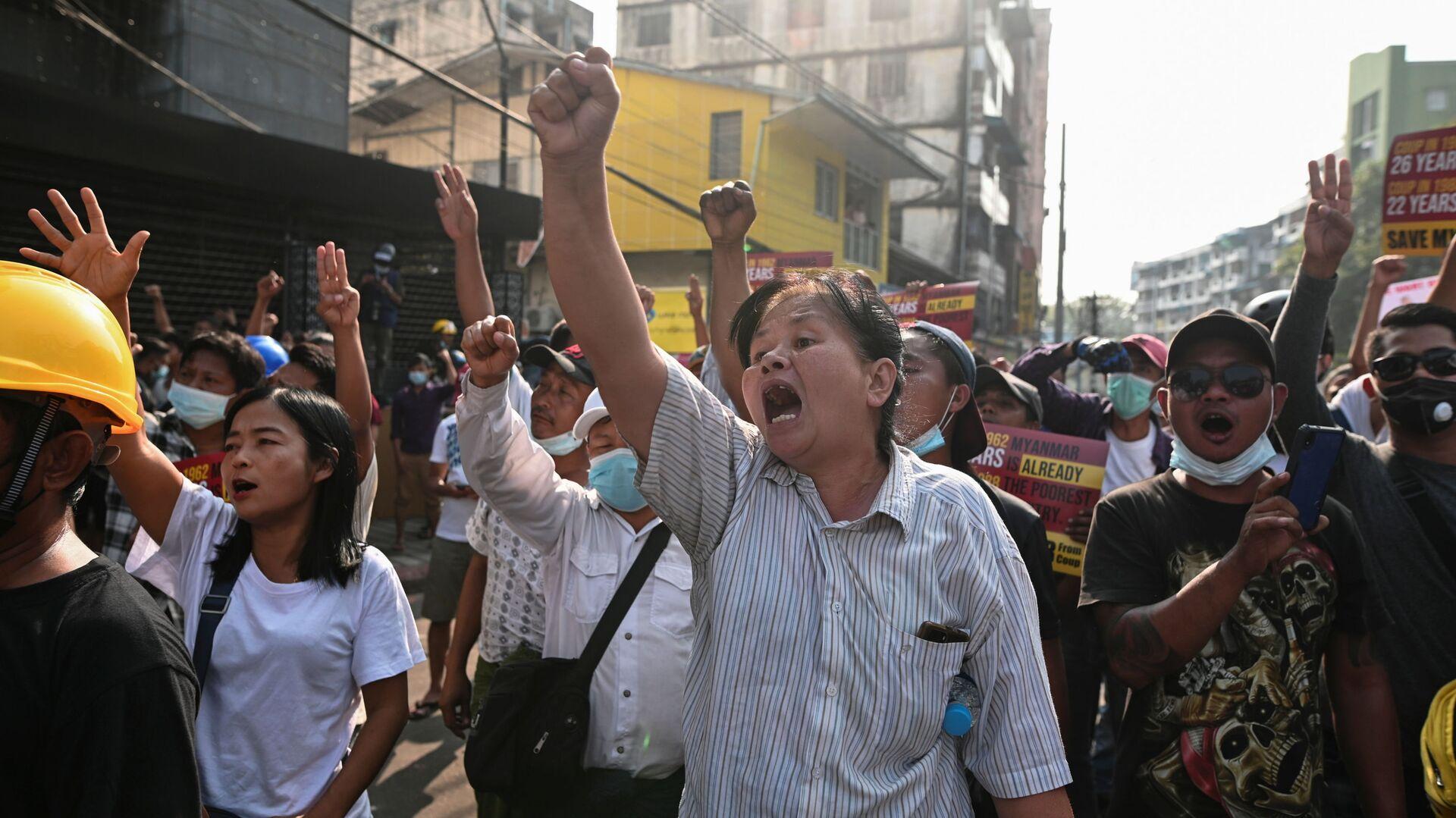 Protesty w Mjanmie - Sputnik Polska, 1920, 01.08.2021