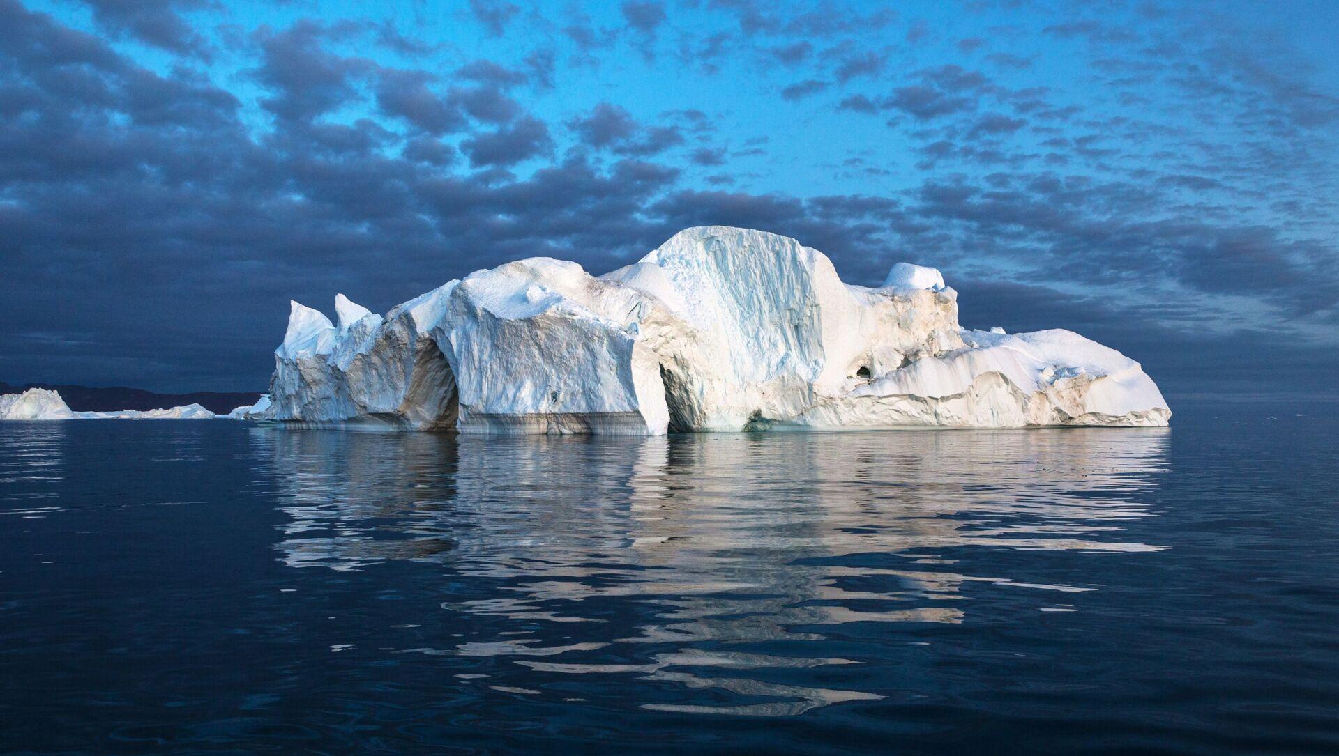Góra lodowa w pobliżu Grenlandii. - Sputnik Polska, 1920, 27.02.2021