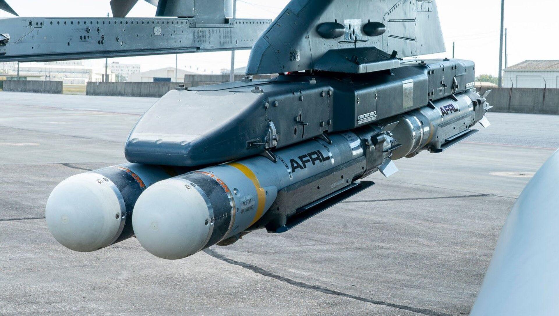 Bomby na F-16  - Sputnik Polska, 1920, 27.02.2021