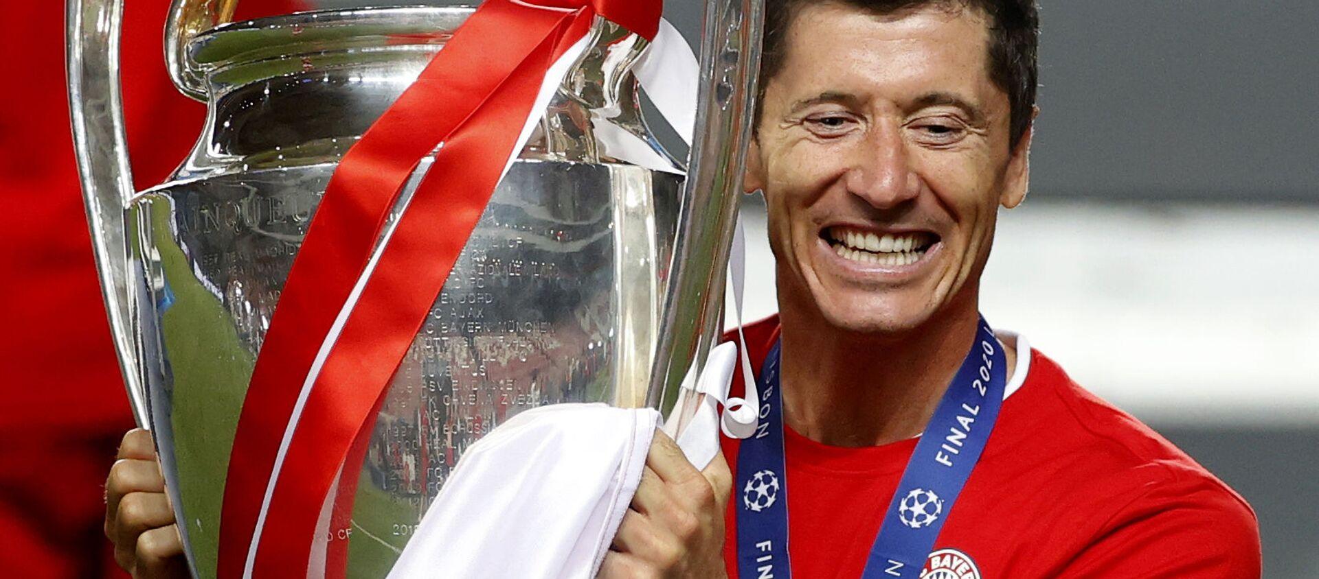 Robert Lewandowski świętuje zwycięstwo Bayern Monachium w Lidze Mistrzów (23.08.2020) - Sputnik Polska, 1920, 24.03.2021