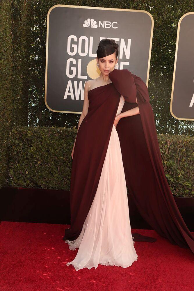 Певица София Карсон на церемонии награждения премии Золотой глобус в США.