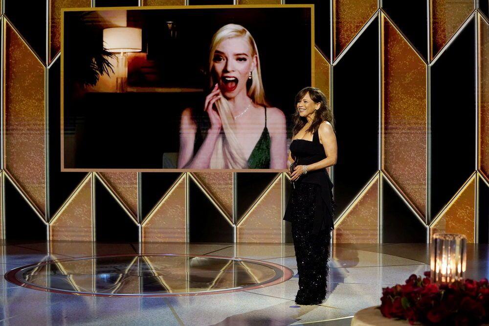 Актриса Аня Тейлор-Джой во время церемонии награждения премии Золотой глобус в США.