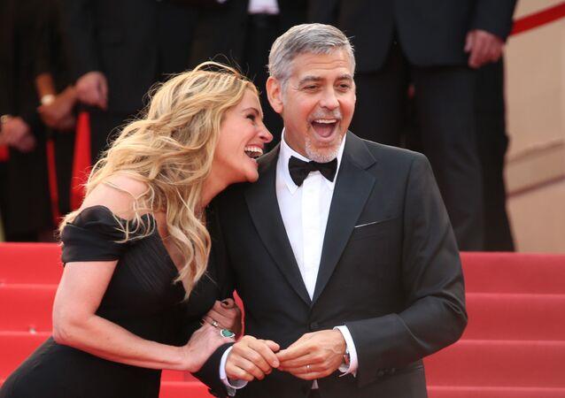 Hollywoodzcy aktorzy George Clooney i Julia Roberts
