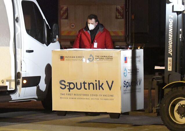 Szczepionka Sputnik V dostarczona na Słowację