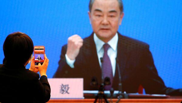 Minister spraw zagranicznych Chin Wang Yi. - Sputnik Polska