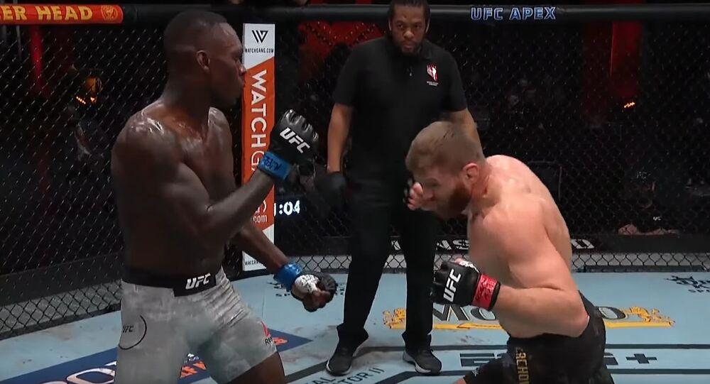 Walka o tytuł mistrza UFC wagi półciężkiej między Janem Błachowiczem a Israelem Adensayą
