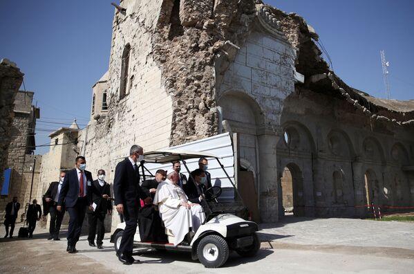 Papież Franciszek odwiedza miasto Mosul w Iraku - Sputnik Polska