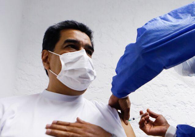 Prezydent Wenezueli Maduro zaszczepiony szczepionką Sputnik V