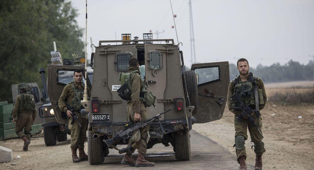 Izraelscy żołnierze w pobliżu granicy Izraela ze Strefą Gazy