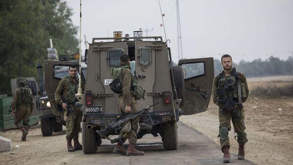 Izraelscy żołnierze w pobliżu granicy Izraela ze Strefą Gazy - Sputnik Polska