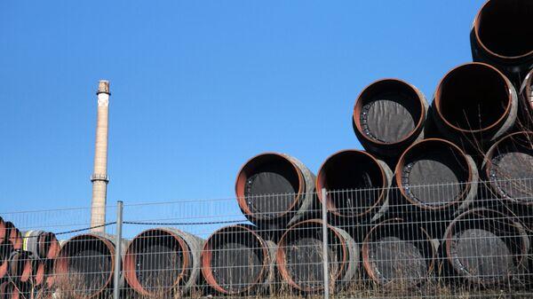 Magazyn rur do budowy gazociągu Nord Stream 2 w porcie Sassnitz w Niemczech - Sputnik Polska