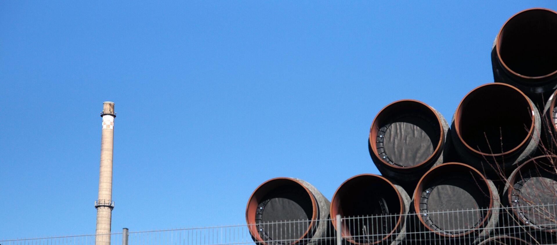Magazyn rur do budowy gazociągu Nord Stream 2 w porcie Sassnitz w Niemczech - Sputnik Polska, 1920, 26.05.2021