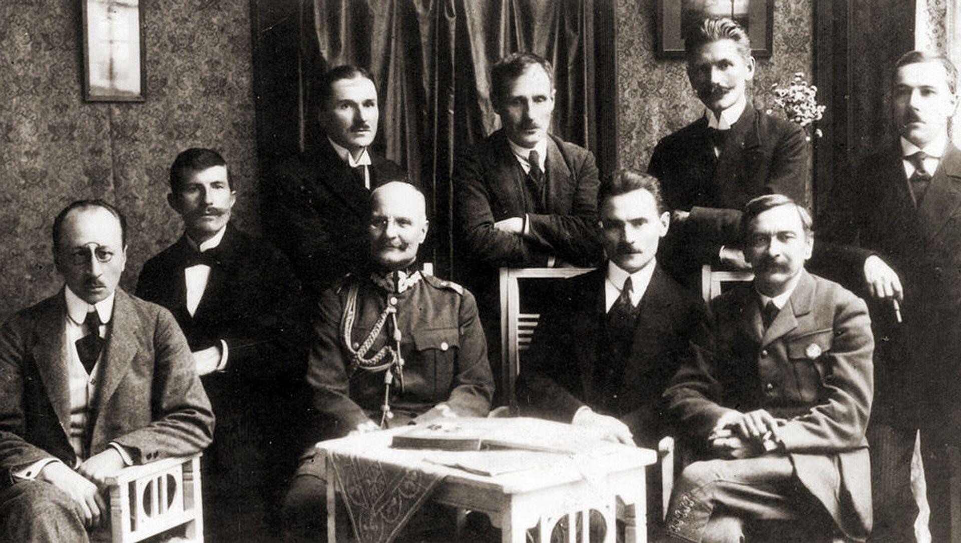 Delegacja polska na rokowania o zawieszeniu broni i zawarciu pokoju z Rosją Sowiecką 1920. - Sputnik Polska, 1920, 10.03.2021