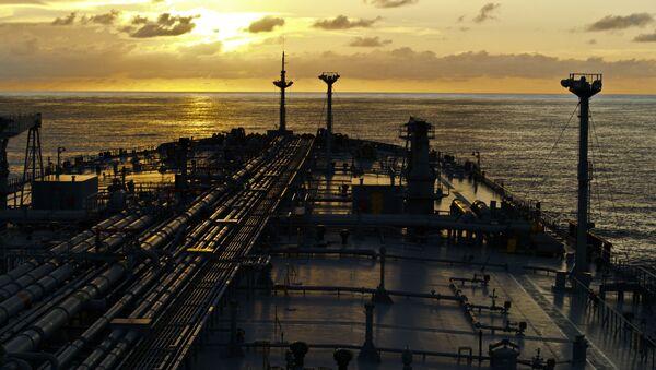 Tankowiec na otwartym morzu - Sputnik Polska