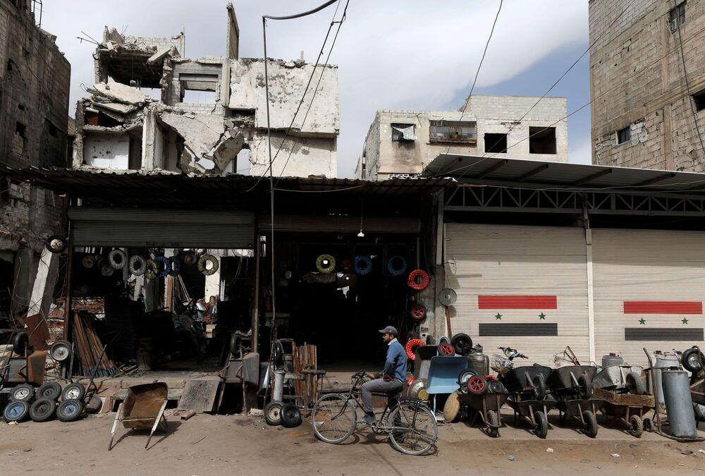 Codzienne życie w Dumie, na przedmieściach Damaszku, Syria