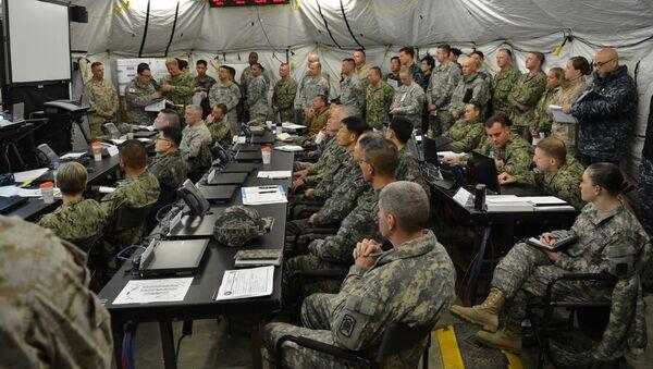 Żołnierze USA i Korei Południowej podczas wspólnych ćwiczeń wojskowych. - Sputnik Polska