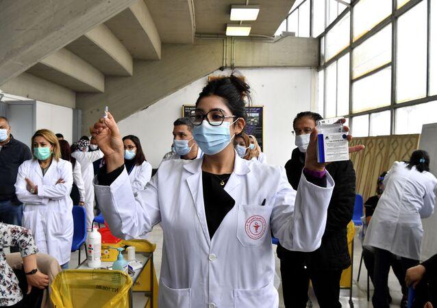 W Tunezji ruszyła kampania szczepień przeciwko koronawirusowi z użyciem szczepionki Sputnik V.
