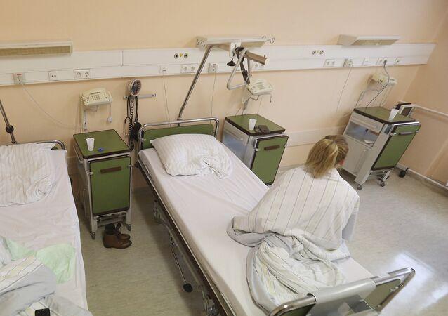 Kobieta w szpitalu w Prenzlau, Niemcy