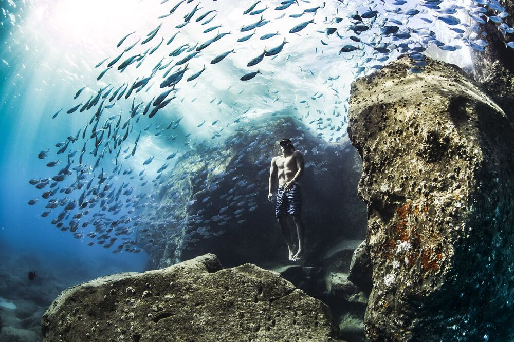 Zdjęcie Andre Fajardo freediving early one summer morning, fotograf: Christa Funk, USA