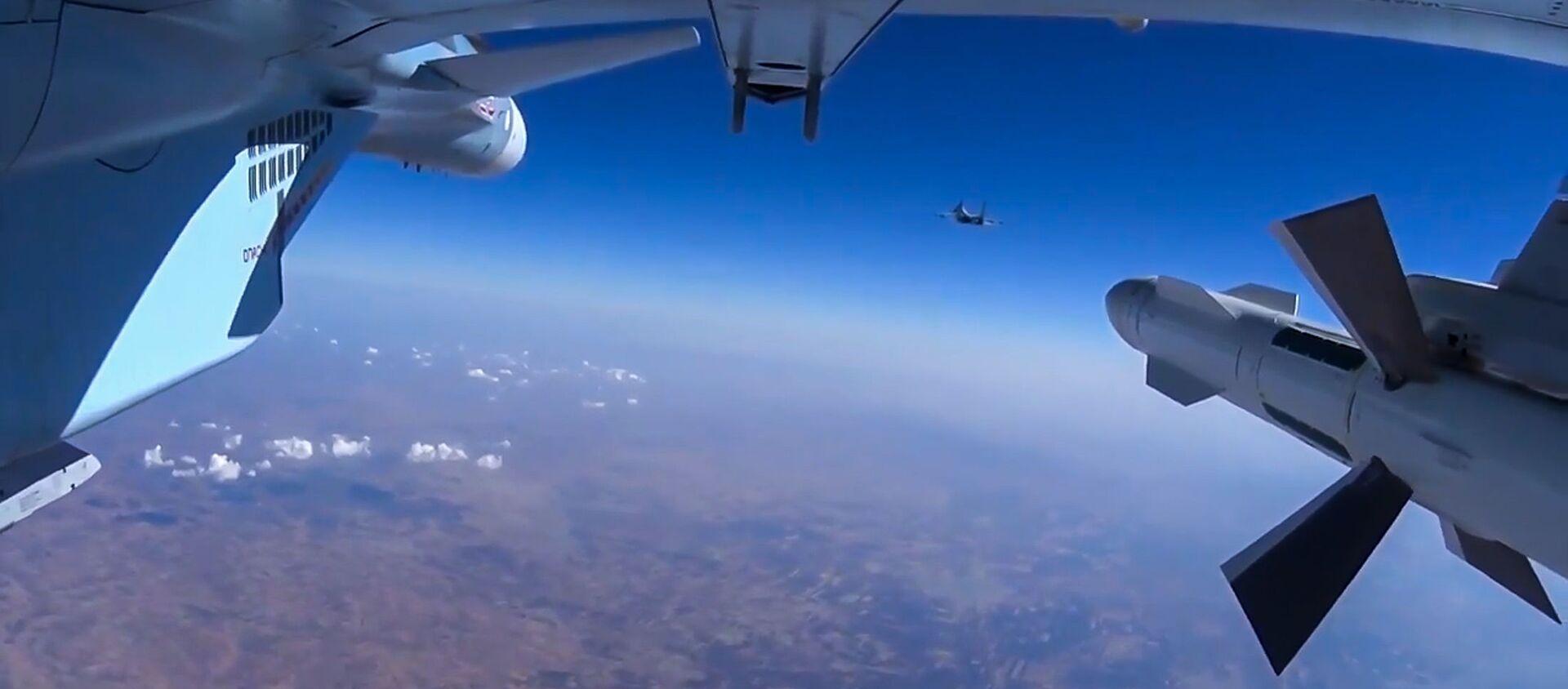 Samolot Su-30 rosyjskich sił powietrznych w Syrii   - Sputnik Polska, 1920, 11.05.2021