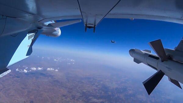 Samolot Su-30 rosyjskich sił powietrznych w Syrii   - Sputnik Polska