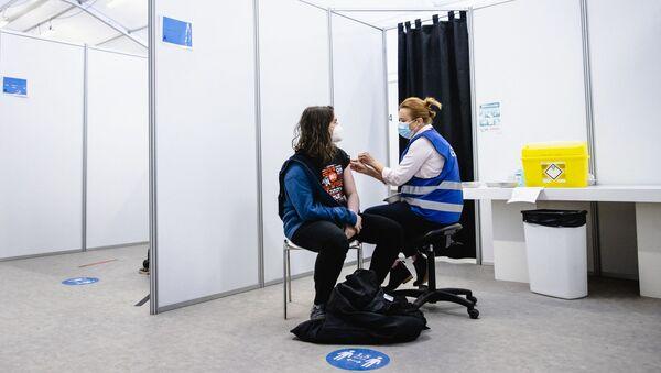 Szczepienie szczepionką AstraZeneca w Hadze, Holandia - Sputnik Polska