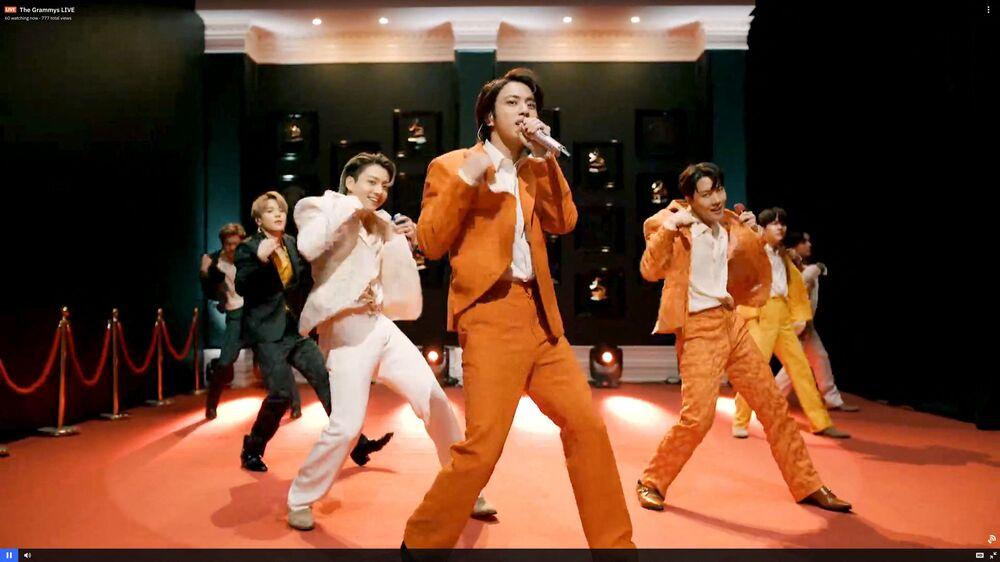 Zespół z Korei Południowej BTS na 63. ceremonii rozdania nagród Grammy w Los Angeles