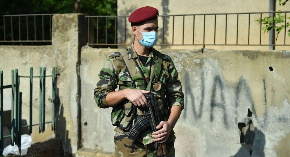 Żołnierz na jednej z ulic Damaszku