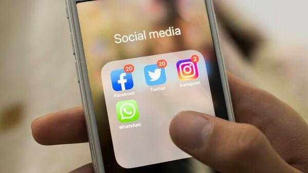 Facebook, Twitter, Instagram, WhatsApp  - Sputnik Polska