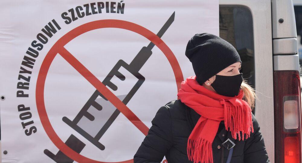 Protesty antyszczepionkowców w Warszawie