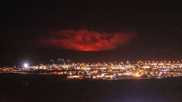 Erupcja wulkanu Fagradalsfjall w Islandii - Sputnik Polska