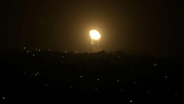 Siły Powietrzne Izraela zaatakowały obiekty wojskowe Hamasu w Gazie - Sputnik Polska