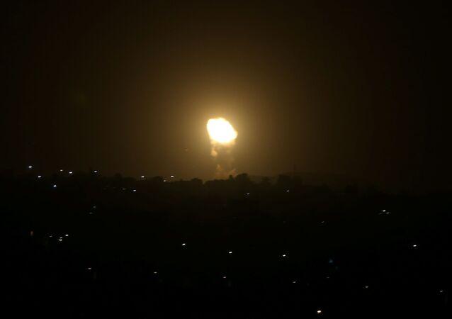 Siły Powietrzne Izraela zaatakowały obiekty wojskowe Hamasu w Gazie