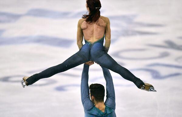 Włoscy łyżwiarze figurowi Nicole Della Monica i Matteo Guarise na Mistrzostwach Świata w Łyżwiarstwie Figurowym w Sztokholmie - Sputnik Polska
