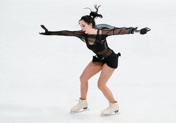 Jelizawieta Tuktamyszewa występuje z programem krótkim na Mistrzostwach Świata w Łyżwiarstwie Figurowym w Sztokholmie - Sputnik Polska