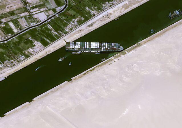 Ever Given w Kanale Sueskim