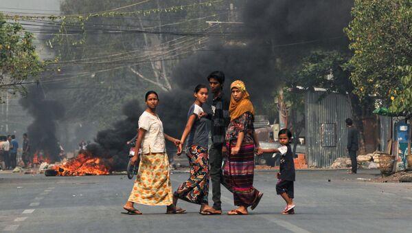 Ponad 50 osób zginęło w starciach między uczestnikami antyrządowych protestów a silami bezpieczeństwa w kilku miastach w Mjanmie. - Sputnik Polska