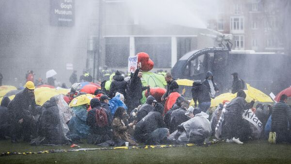 Demonstracja w Amsterdamie - Sputnik Polska