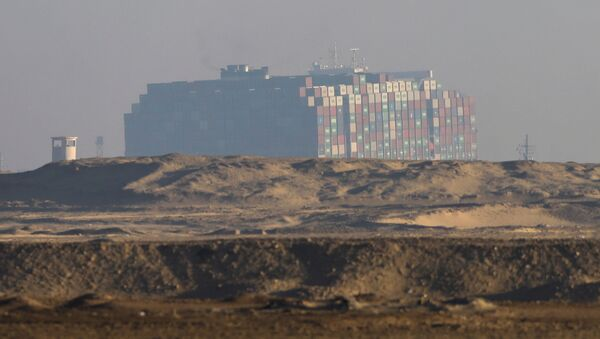 Blokujący Kanał Sueski kontenerowiec Ever Given został ściągnięty z mielizny.  - Sputnik Polska