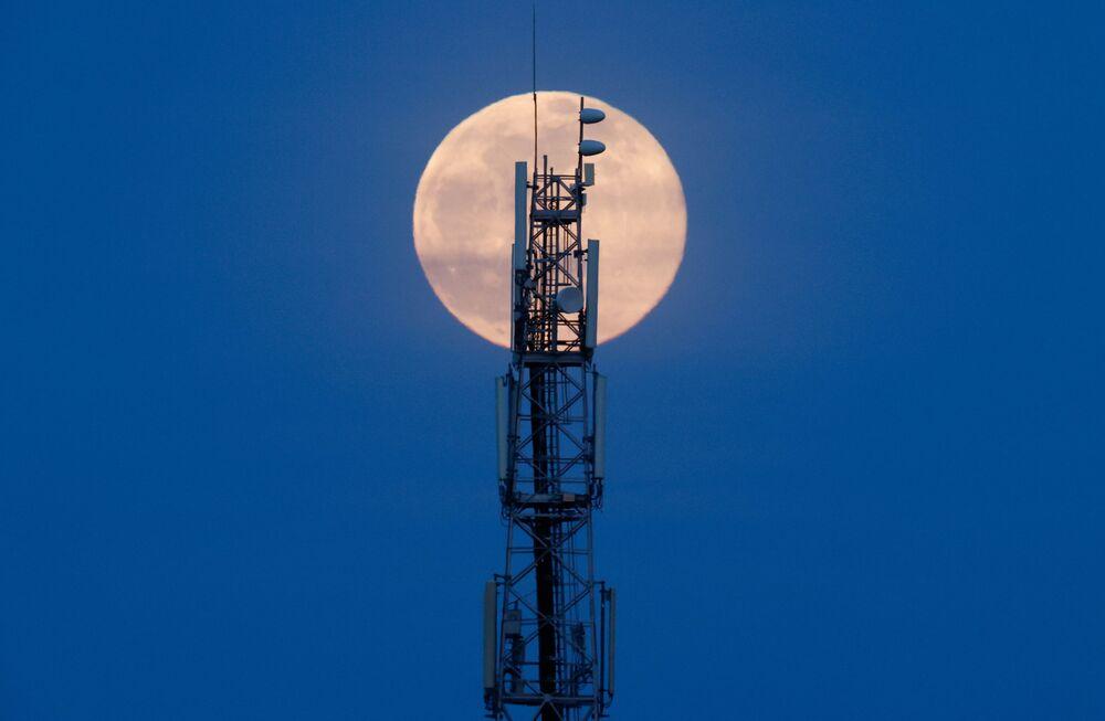 Pełnia Księżyca w marcu 2021 roku, Francja