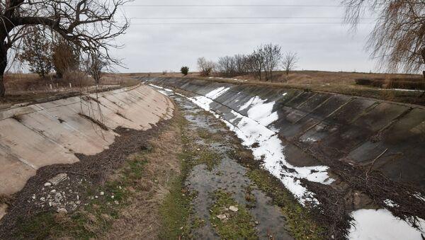 Kanał wodny zbudowany w latach 1961-1971 w celu dostarczania wody do obwodów chersońskiego i krymskiego - Sputnik Polska